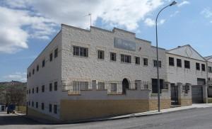 Fábrica y oficinas